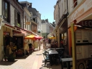 <p>Il y a aussi de nombreuses terrasses de bistrots, rue Nationale.</p>