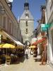 <p>La rue Nationale et la fa&ccedil;ade ouest du beffroi.</p>